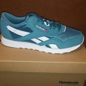 Ladies Reebok Classic DV77O1 Sneakers 8